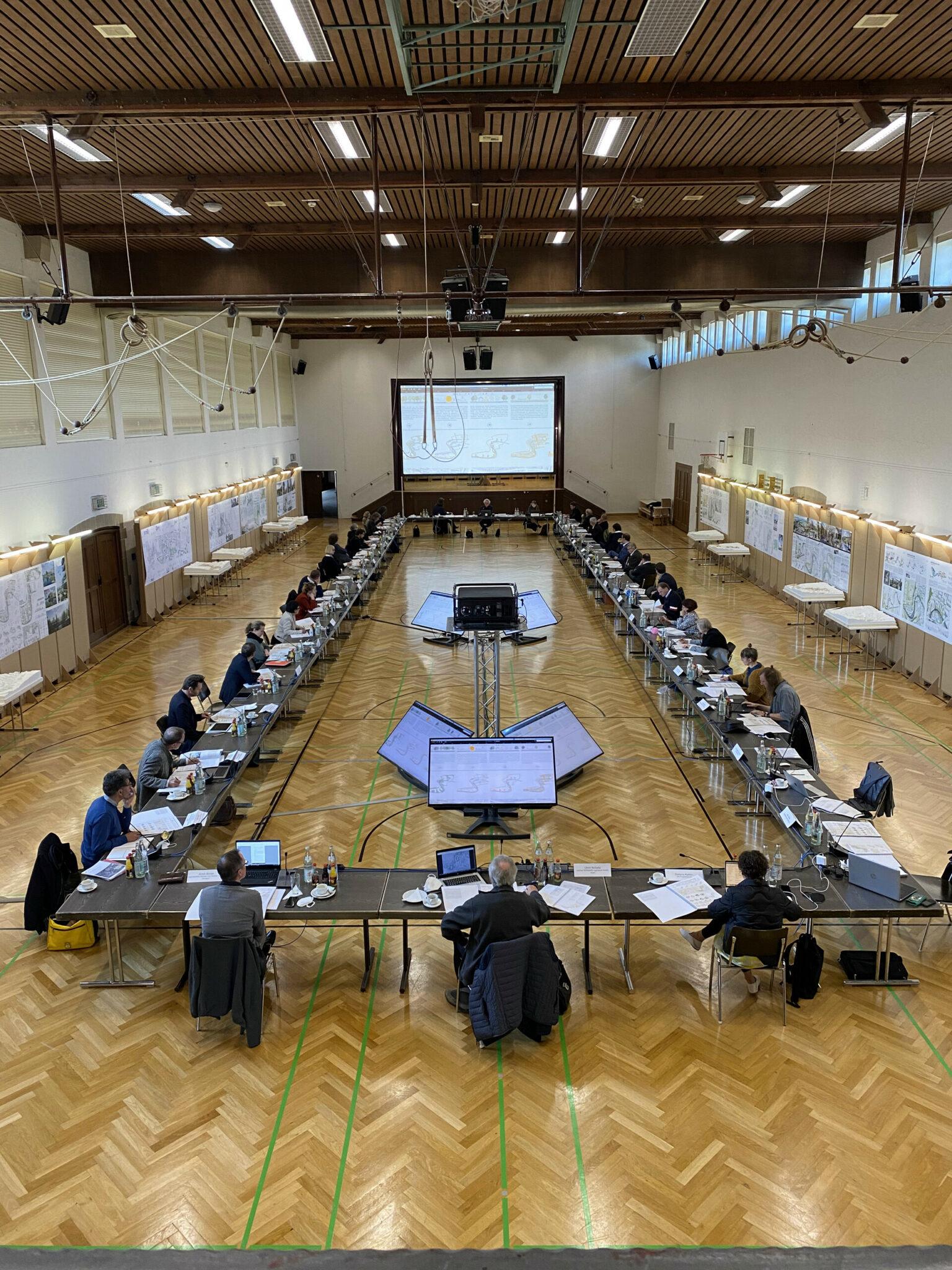 Sitzung des Preisgerichts zum Wettbewerb »Quartier Backnang West« am 28.04.21 (Bild: IBA'27 / Raquel Jaureguízar)