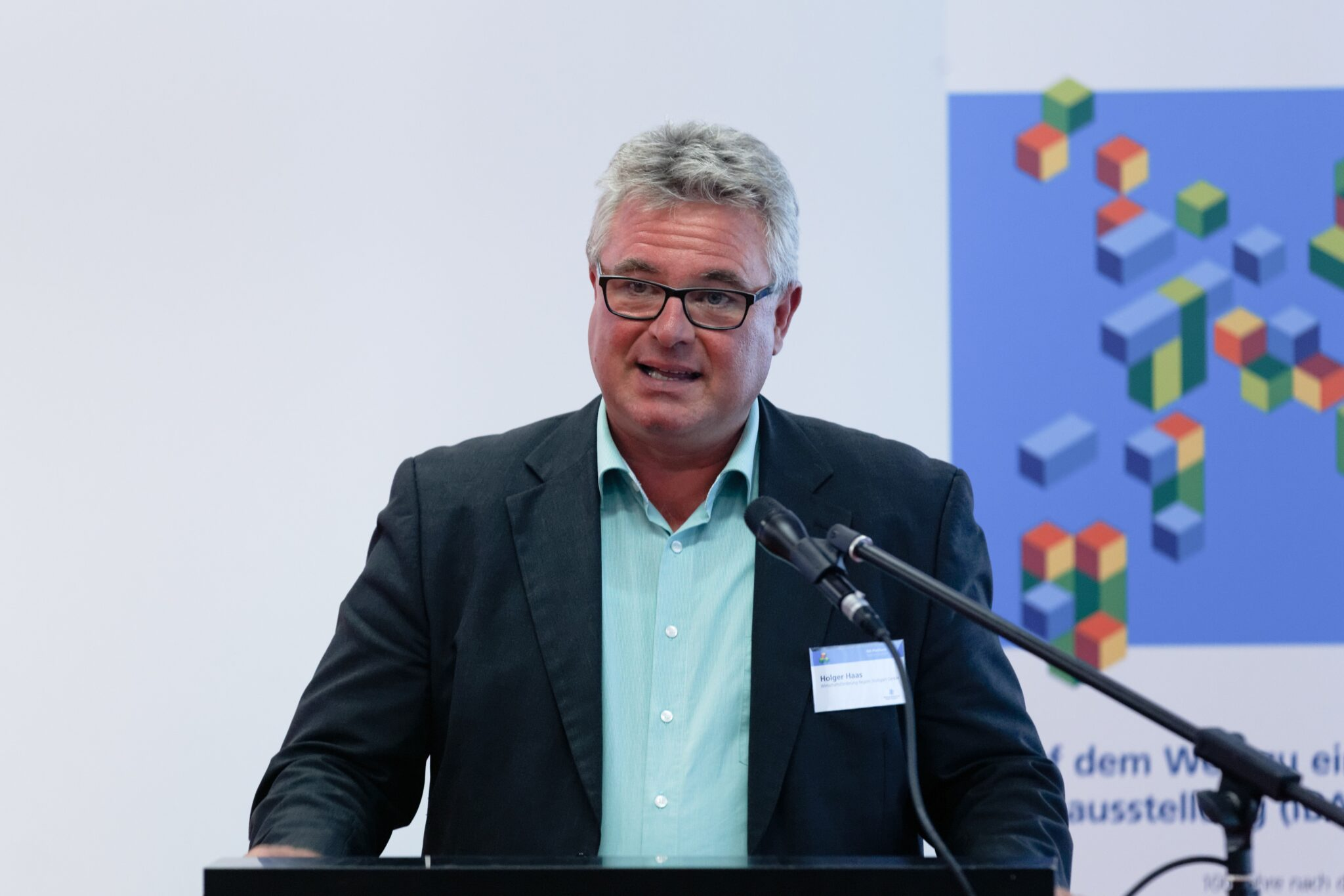 Holger Haas beim Forum »Wirtschaft« zur IBA-Plattform Region Stuttgart 2016 (Foto: Christian Hass)