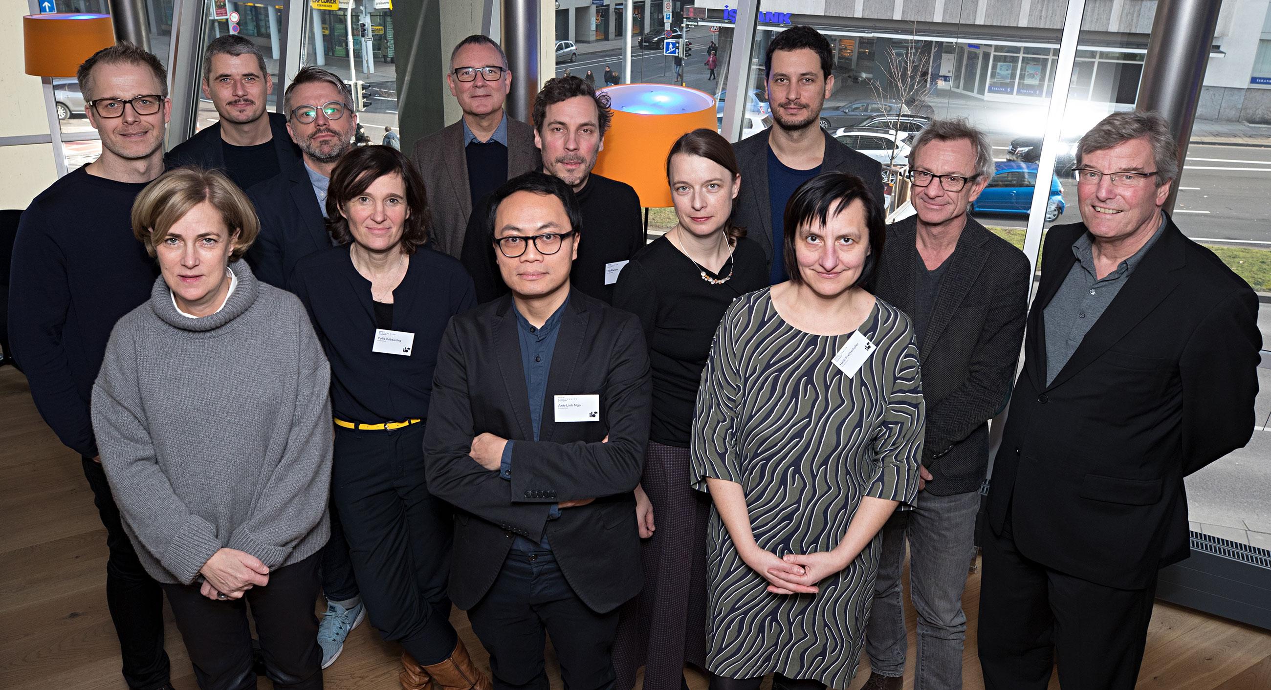 Gruppenfoto der ersten Sitzung des Kuratoriums der Internationalen Bauausstellung 2027 StadtRegion Stuttgart (4.2.2019, Stuttgart). Foto: IBA'27 / Franziska Kraufmann